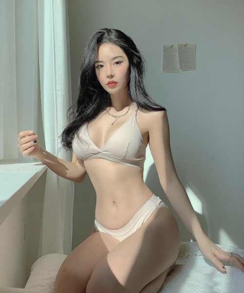 DateAsianWoman photo